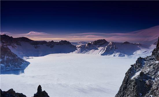 冰雪吉林引凤来 : 绿水青山变金山银山的长白山实践